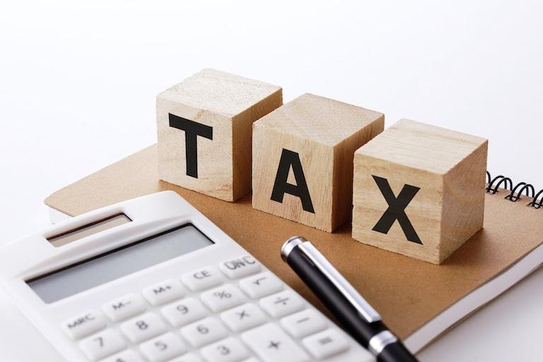医療保険の受取人・本人以外の場合の注意点・契約手続きと税金はどうなる?