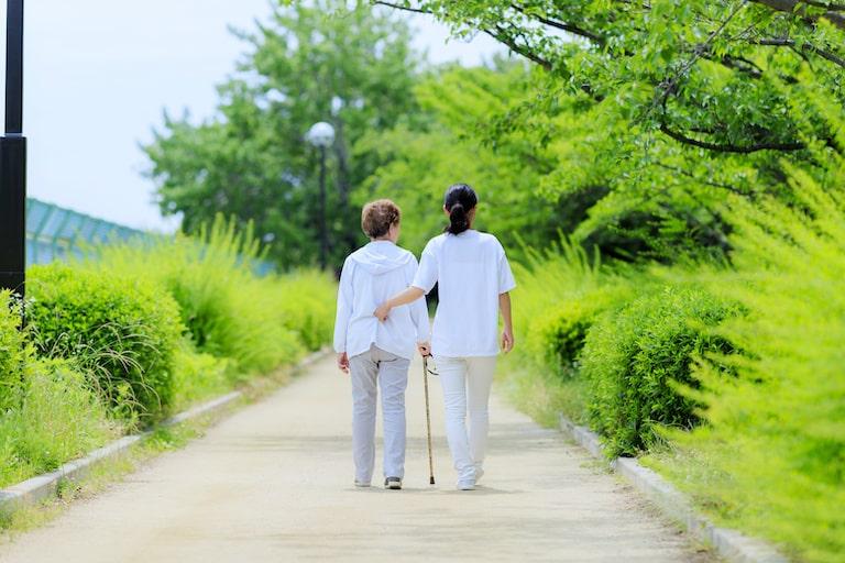 介護保険、民間生命保険会社の商品と・公的保険、W加入の負担を減らす方法