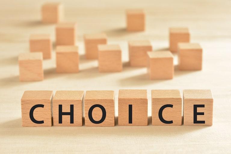民間の医療保険・介護保険どちらが優先?公的保険給付との関係
