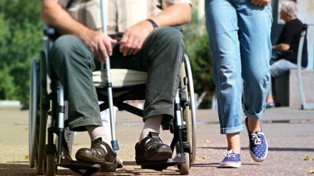 外来リハビリが医療保険から介護保険へ移行!どうすればいい?