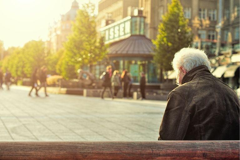 高齢者の医療保険選びを解説!本当に必要?70代・80代でも加入できる?